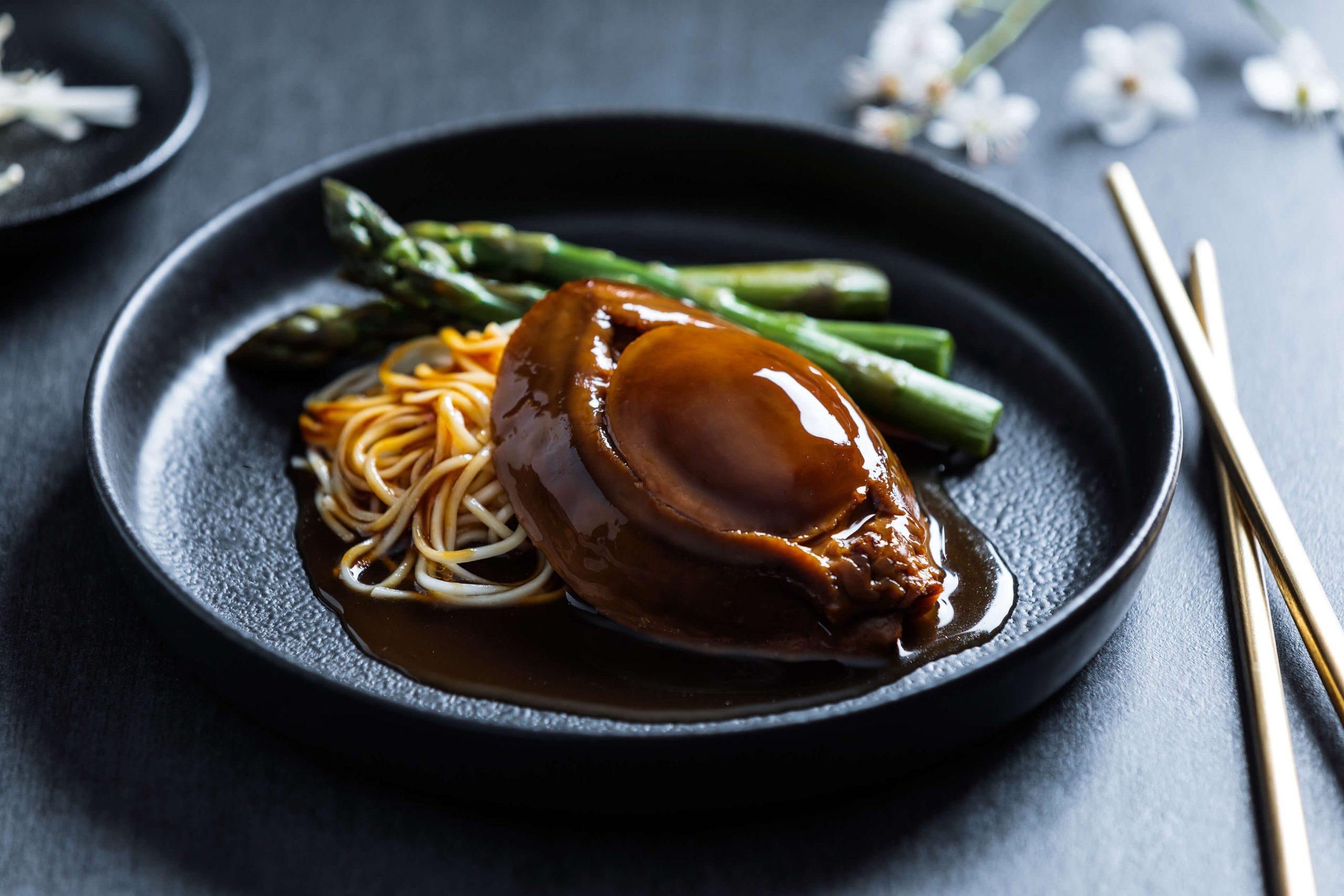 Braised abalone with sauce